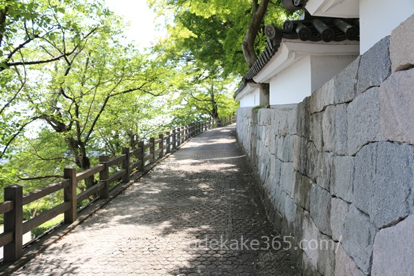 福知山城へ通じる石畳