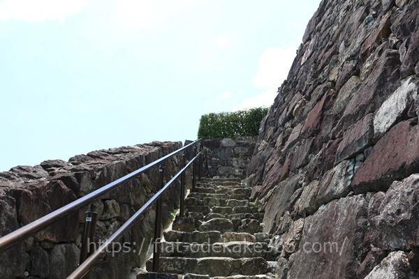 福知山城の石階段