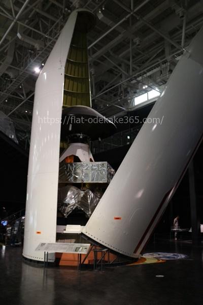 岐阜かかみがはら航空宇宙博物館の博物館内部 ロケット外観
