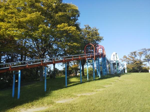 中部公園の大型遊具 滑り台